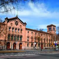 Universidad de Barcelona, Plaza Universidad